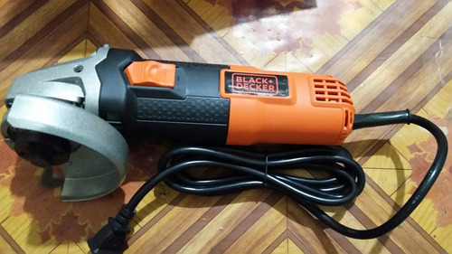 amoladora black&decker 4 1/2  820 watt