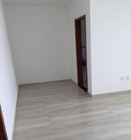 ampla casa com 03 quartos sendo 1 suíte com varanda - 0033