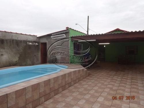 ampla casa, com piscina em praia grande.
