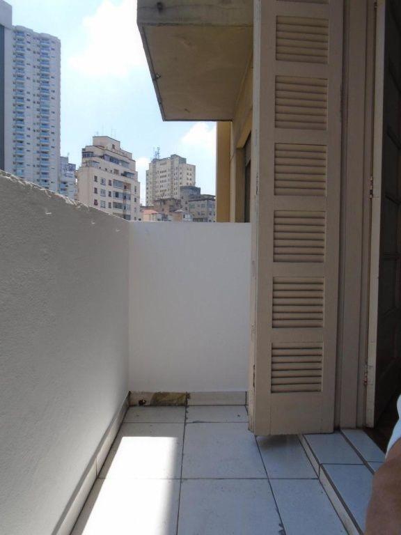 ampla kit reformada, com varanda, ao lado praça 14 bis e faculdade  fgv - bela vista. - md593