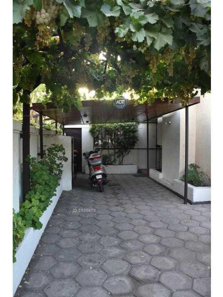 amplia casa  2 edificaciones  patente comercial