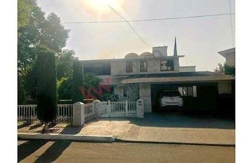 amplia casa a la venta, club de golf bellavista $25,000,000.00