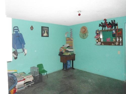amplia casa con buenos acabados