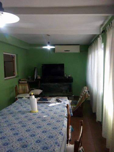 amplia casa con excelente ubicación en josé c. paz