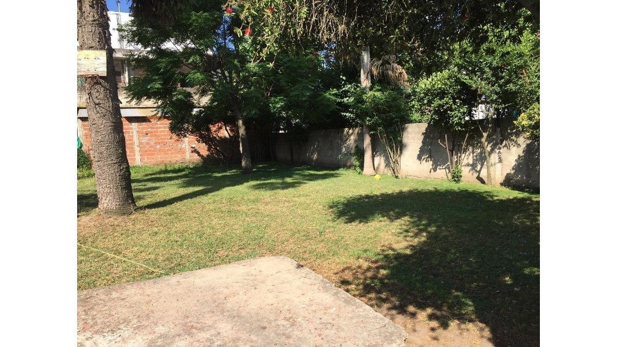amplia casa con gran parque