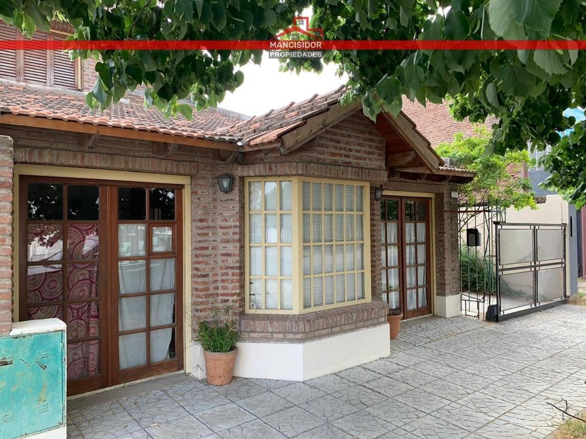 amplia casa con posibilidad ampliación