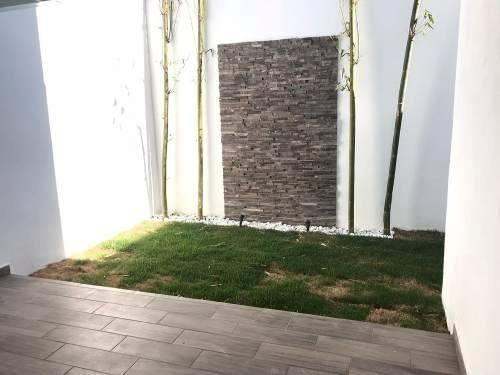 amplia casa con roofgarden en lomas de angelópolis