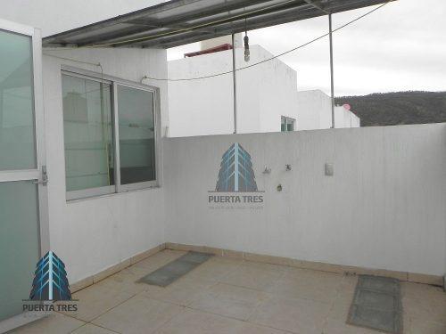 amplia casa de 2 niveles en coto en foret ressidencial