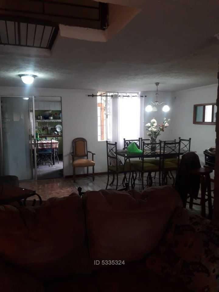 amplia casa en ciudad satélite , maipú