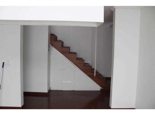amplia casa en condominio......a pasos de colegios....centros comerciales....oportunidad
