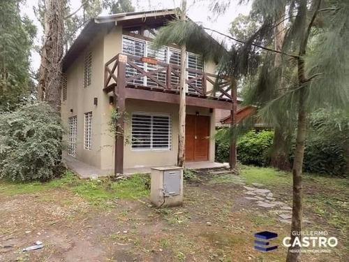 amplia casa en el bosque peralta ramos.
