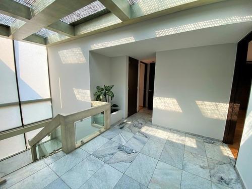 amplia casa en renta en ahuehuetes norte con 4 rec., jardín