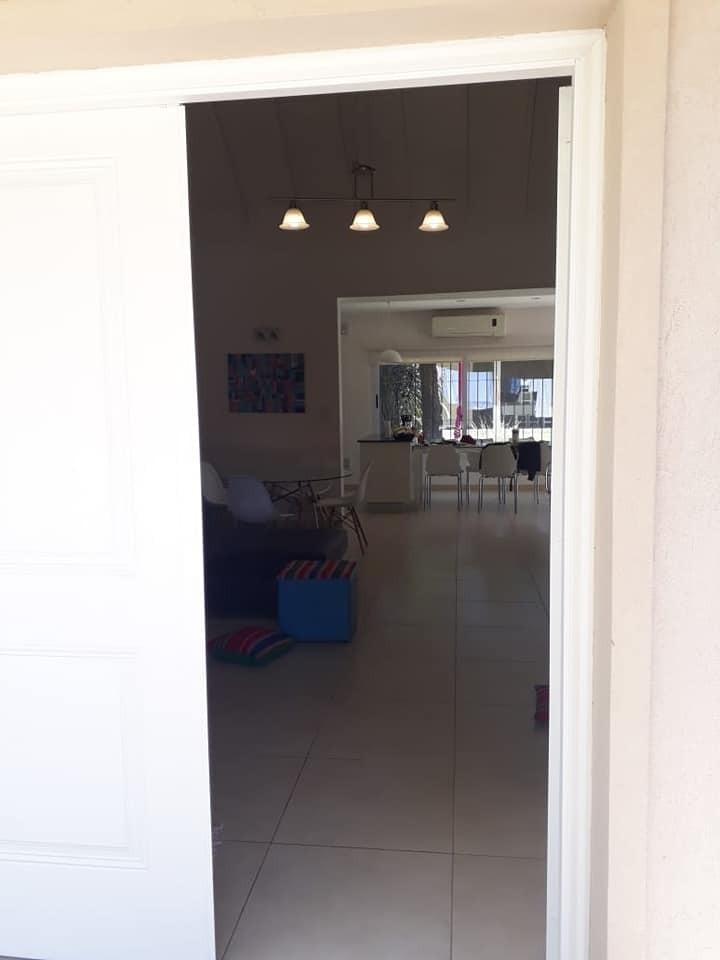 amplia casa en venta en marcos paz, 3 de febrero 24!