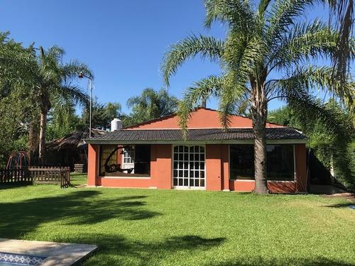 amplia casa en venta en parque irizar.