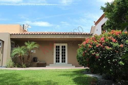 amplia casa en venta en villafontana mexicali bc, de una planta, 5 min de garita centro $360,000 usd