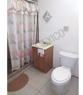 amplia casa en venta por carretera santa isabel a solo 10 minutos de la garita centro.