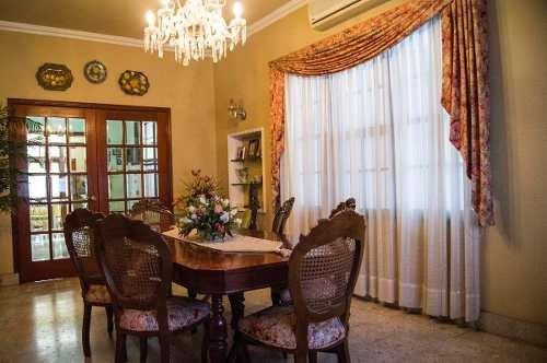 amplia casa en venta sobre avenida hidalgo.