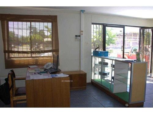 amplia casa ideal para oficina con estupenda ubicación comercial