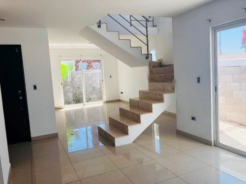amplia casa moderna
