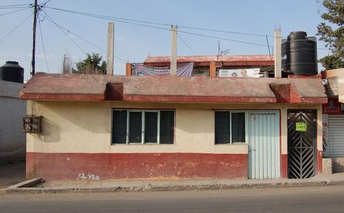 amplia casa sobre avenida principal en teoloyucan