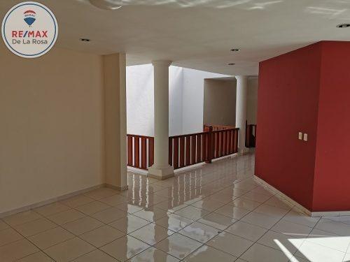 amplia e iluminada casa en venta sobre av. cuauhtemoc
