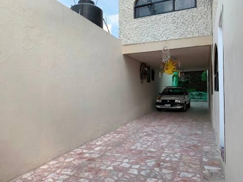 amplia, iluminada y bonita casa a media cuadra de av. constitución