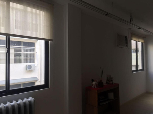 amplia oficina 45mts luminosa bajas exp!