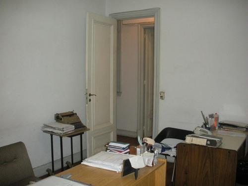 amplia oficina av corrientes y callao
