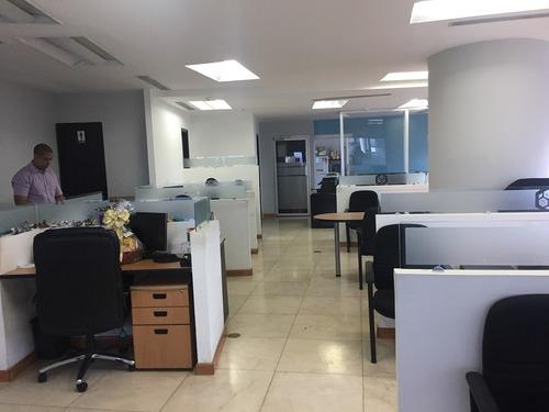 amplia oficina en alquiler calle 50, revolution tower