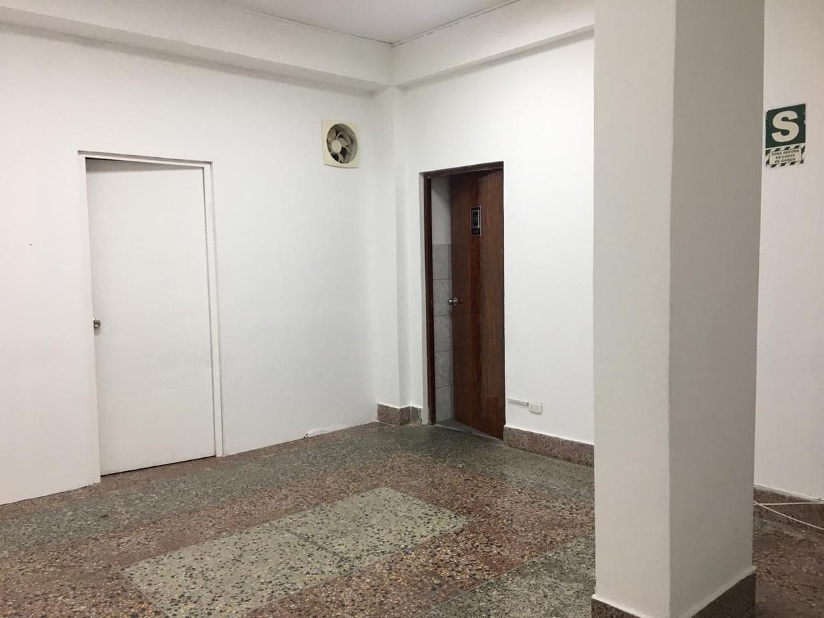 amplia oficina en miraflores (límite con san isidro)