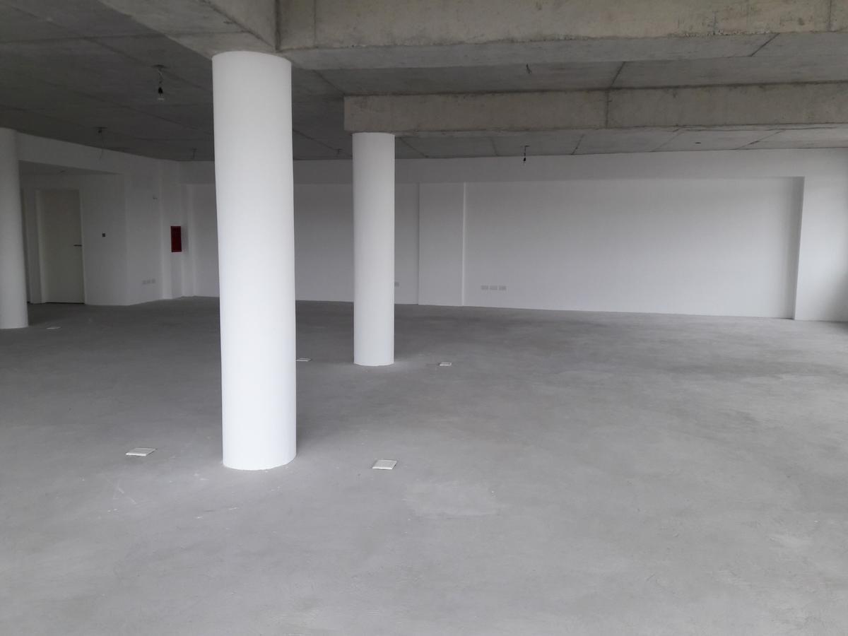 amplia oficina  en parque patricios