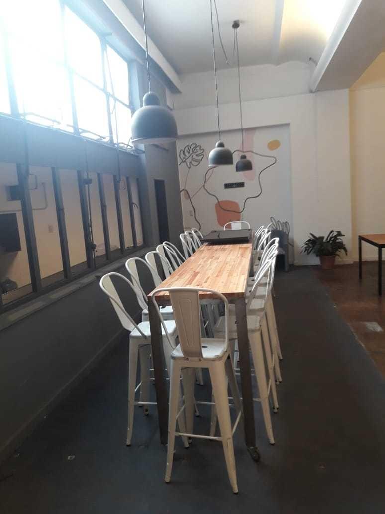 amplia oficina en venta dentro de la galeria san martin !
