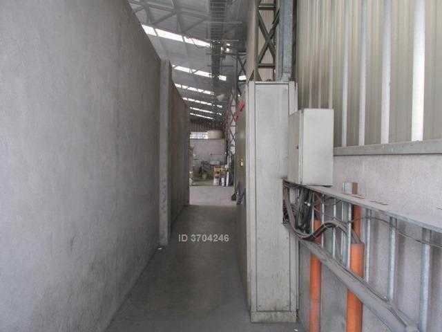 amplia propiedad en condominio industrial