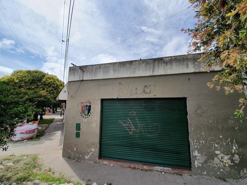 amplia propiedad para local comercial-  barrio tiro suizo