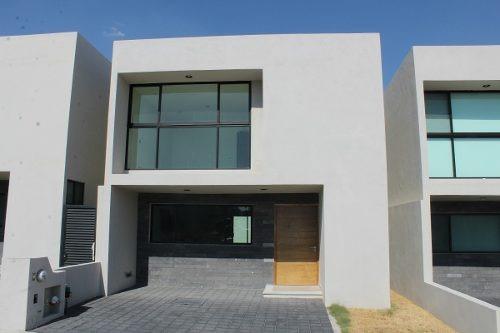 amplia y bonita casa en venta en cumbres de juriquilla