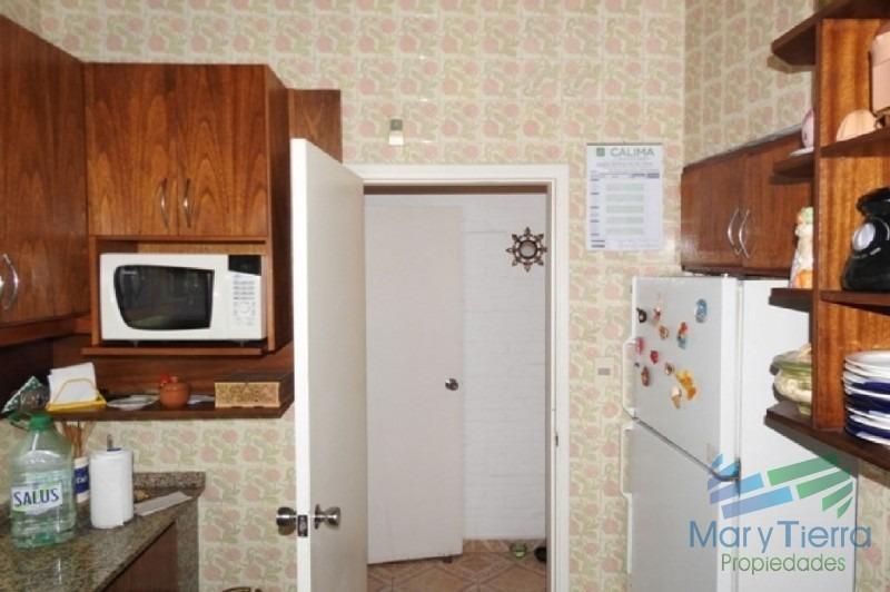 amplia  y cómoda casa en venta, en la zona de aidy grill- punta del este-ref:2179