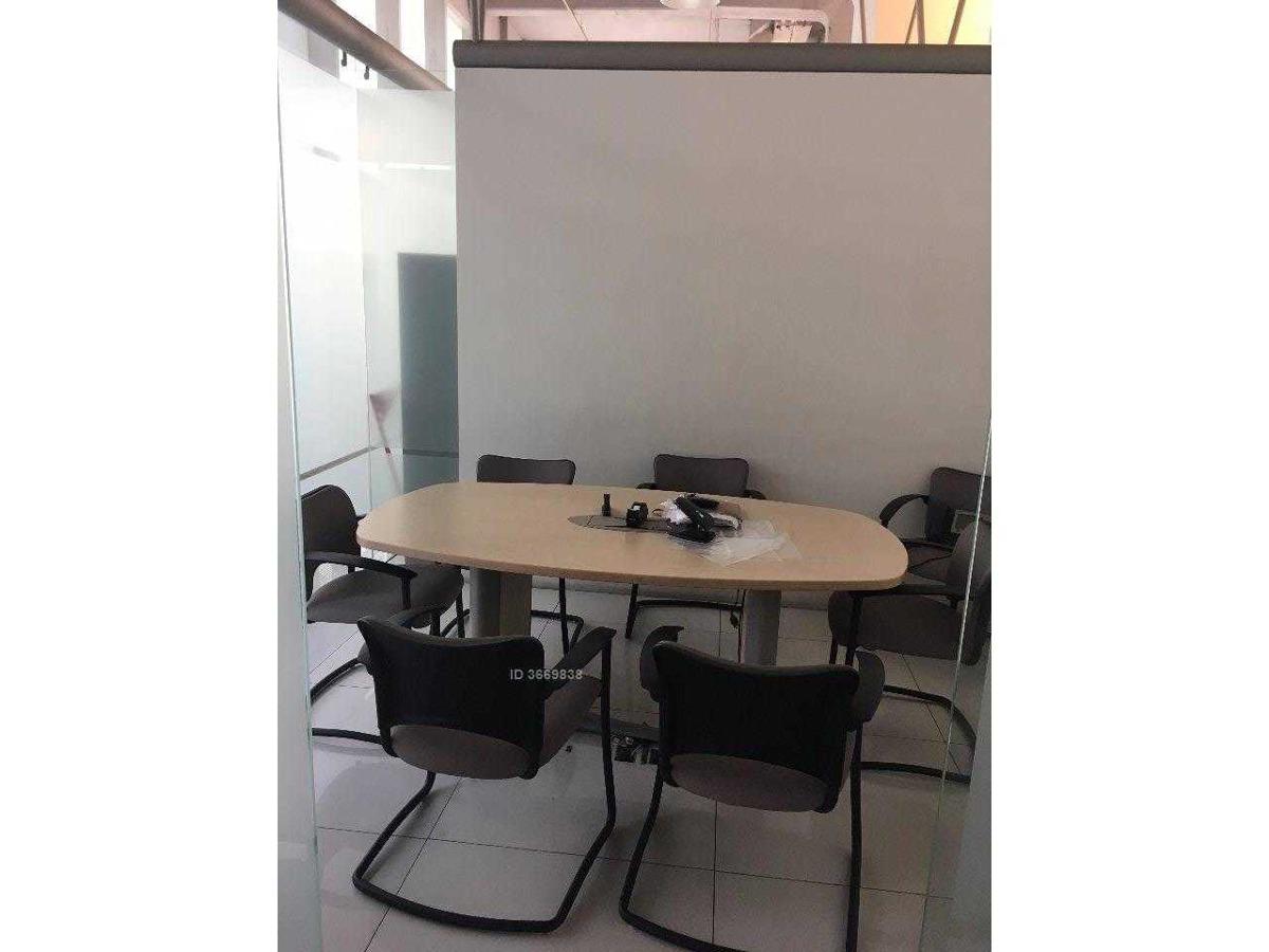 amplia y cómoda oficina frente titanium