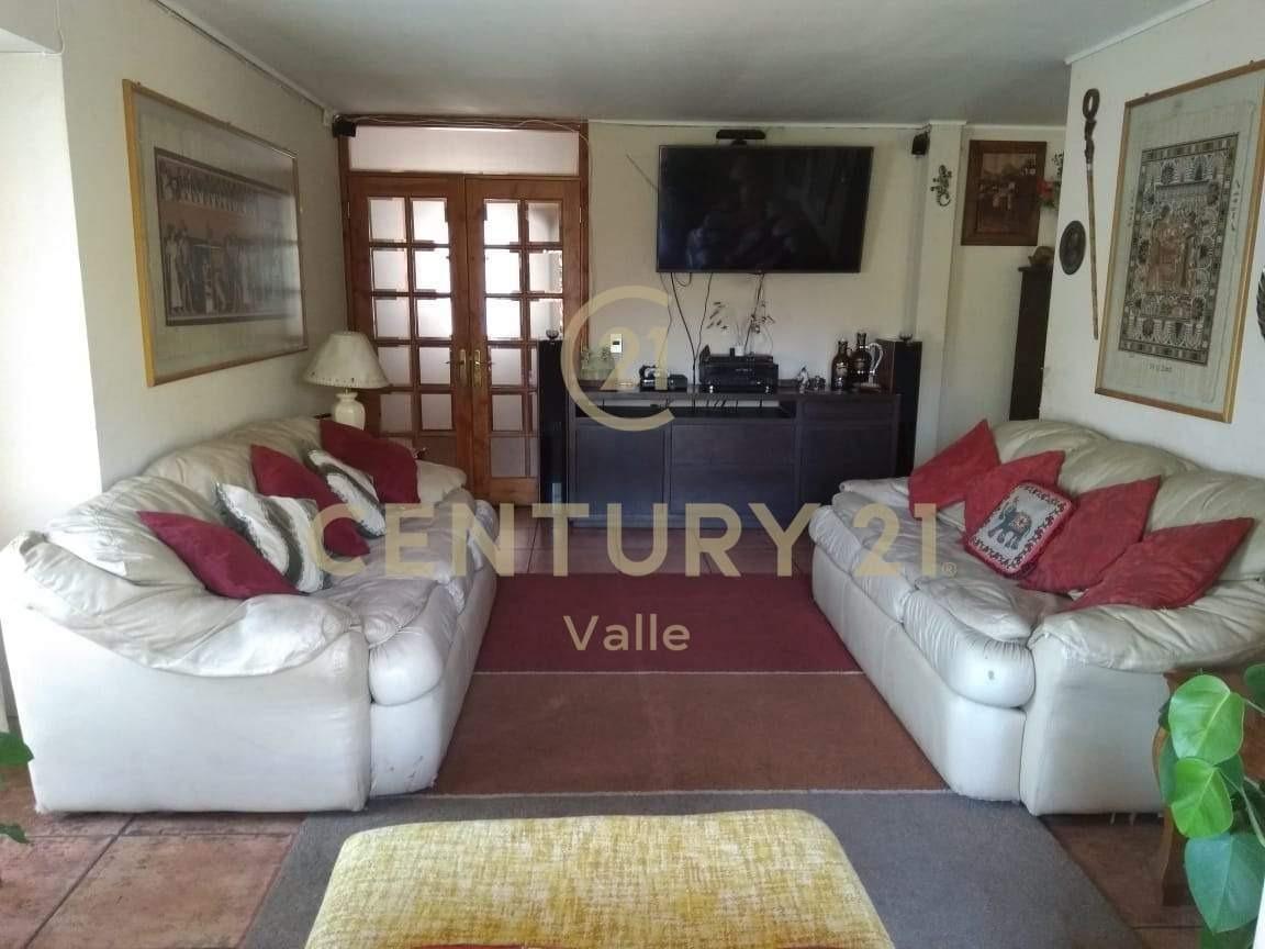 amplia y hermosa casa en exclusivo condominio alerce andino