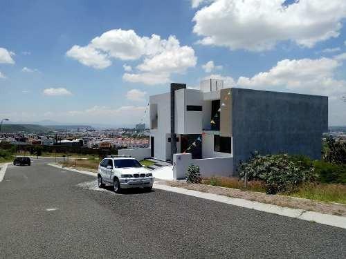 amplia y moderna casa en colinas de juriquilla