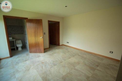 amplia y moderna casa en renta en villa dorada