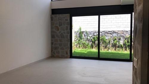 amplia y moderna casa en venta altozano con ubicación privilegiada y privacidad