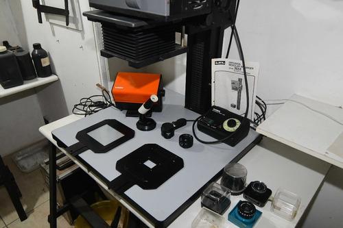 ampliador fotográfico e complementos de laboratório