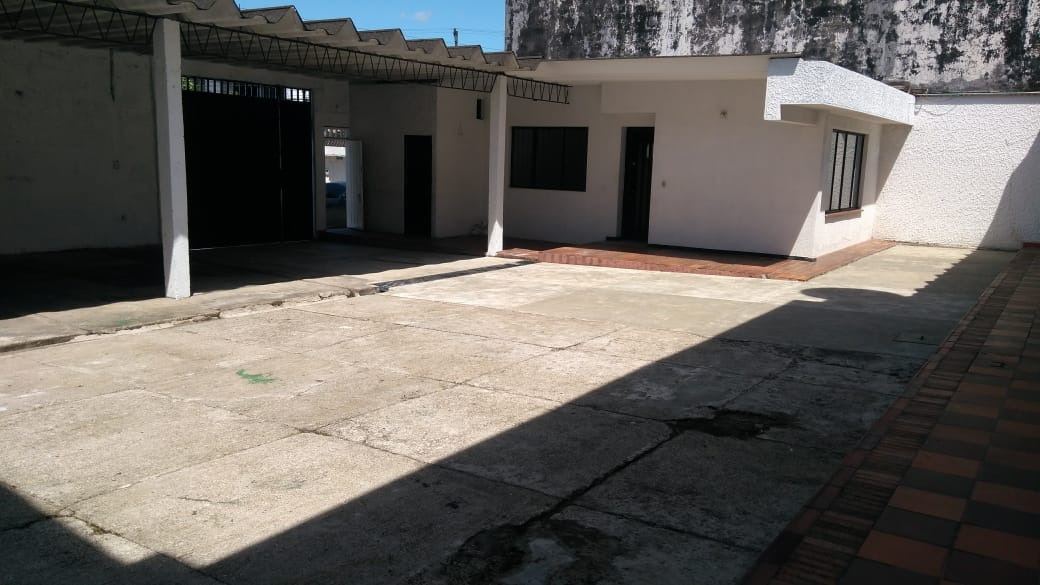 amplias oficinas con espacio abierto sector comercial