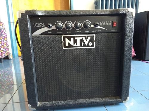 amplificador de bajo nativo studio bass. 22 w de potencia.