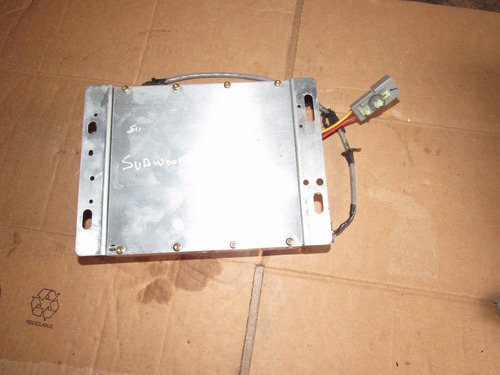 amplificador de subwoofer ford explorer 1995-2001
