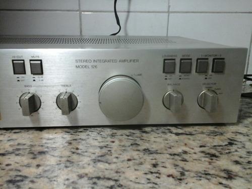 amplificador integrado gradiente  model 126 funciona ok.