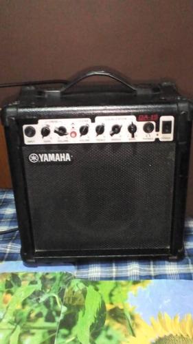 amplificador para guitarra, marca yamaha modelo ga-15