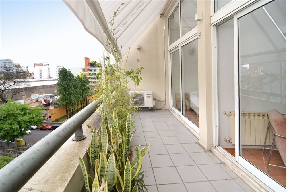 amplio 2 ambientes balcon, la algodonera con renta