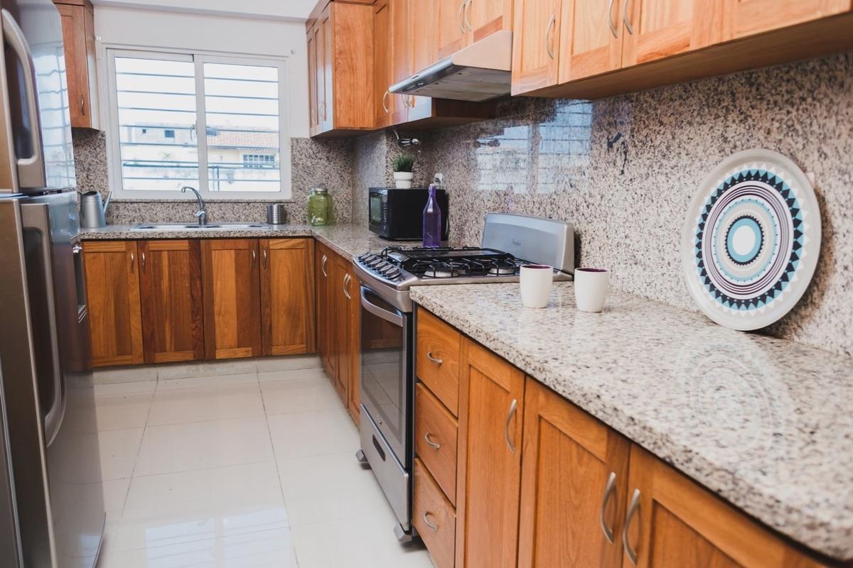 amplio apartamento amueblado de 3 habitaciones en el millón