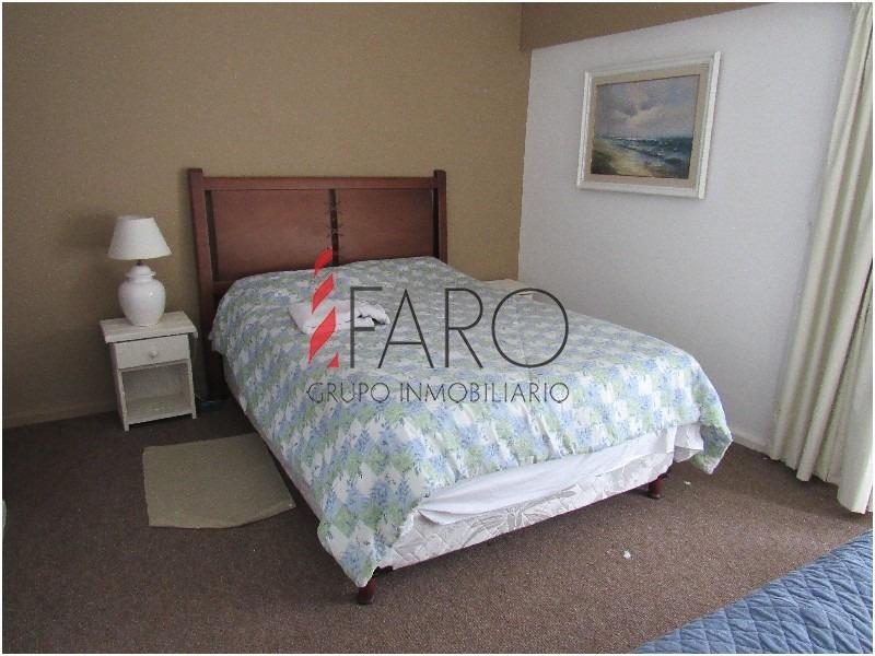 amplio apartamento de 4 dormitorios a metros del mar-ref:35863